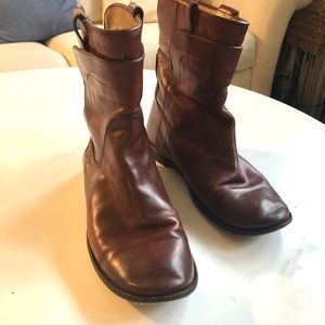 Frye Boots - size 8, high quality leather